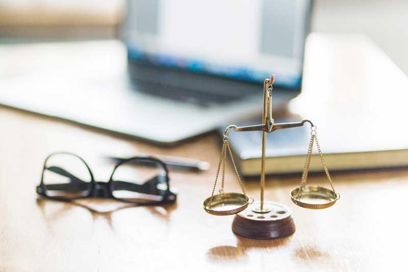 היכן להתמחות : משרד עורכי דין גדול או קטן?