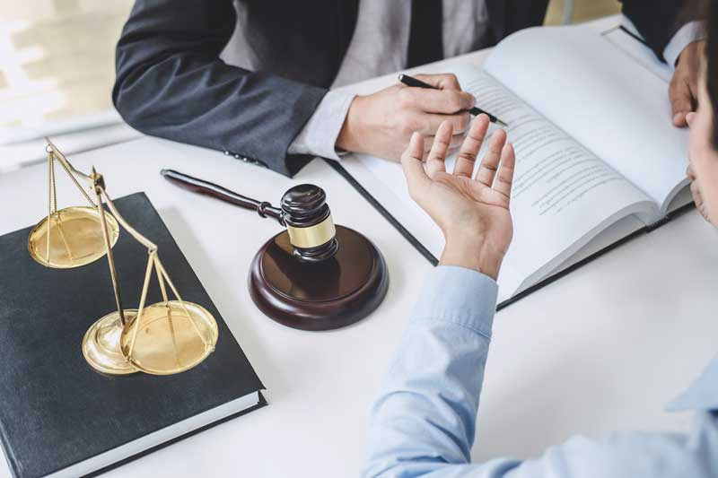 היכן ניתן לקבל יעוץ משפטי ללא עלות?