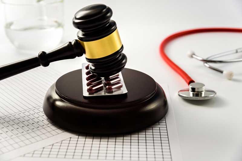שוקל להגיש תביעת רשלנות רפואית? חמישה דברים שאתה חייב לדעת!